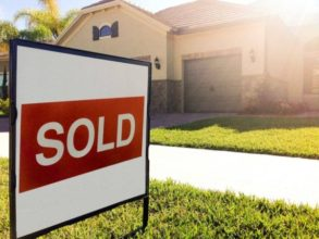 sell your home image used for blog post https://www.sharpstownrealty.com/wp-admin/post.php?post=1618&action=edit
